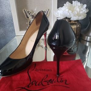 ❗SOLD❗Christian Louboutin simple pumps